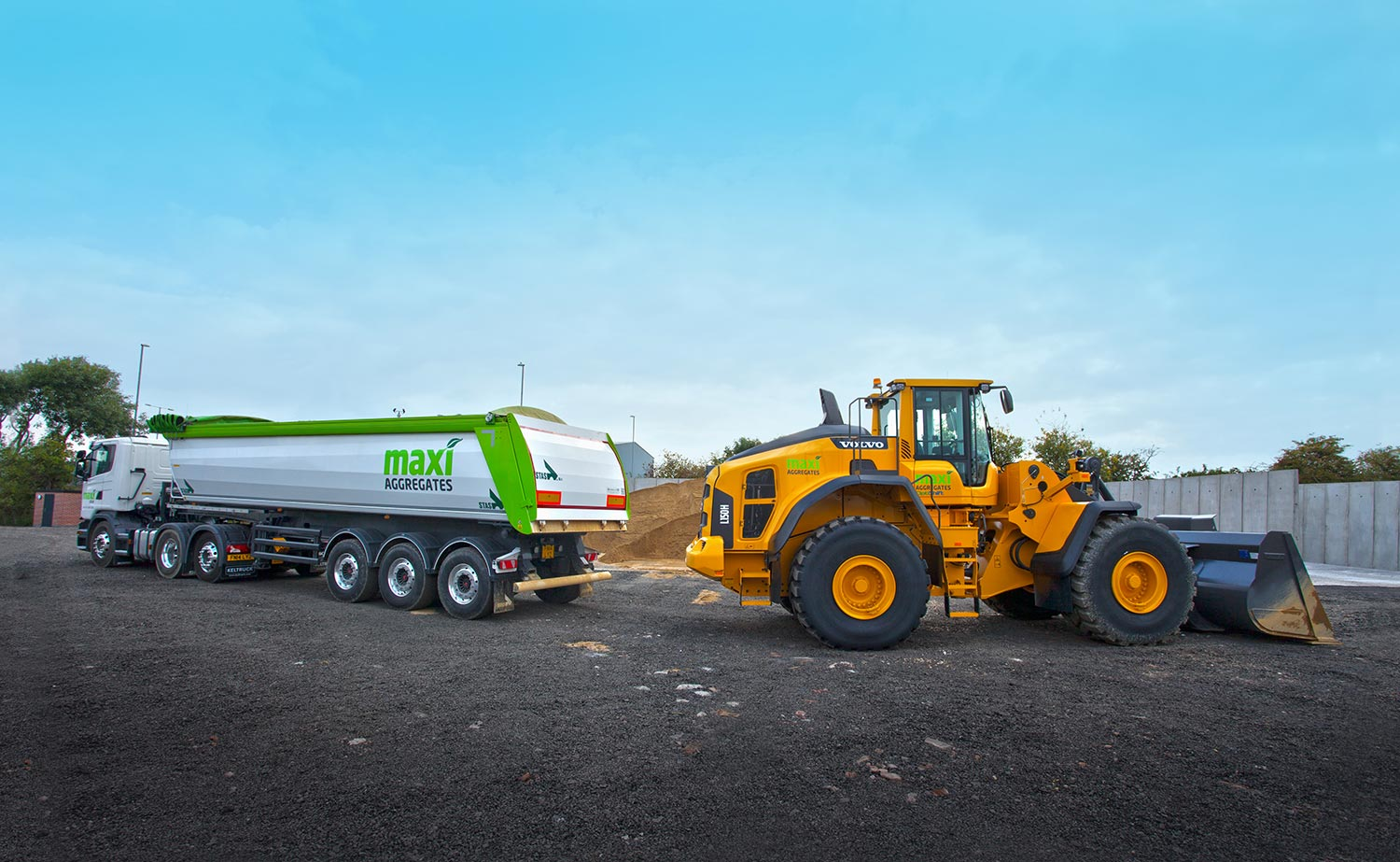 JCB unloading a concrete delivery from Maxi